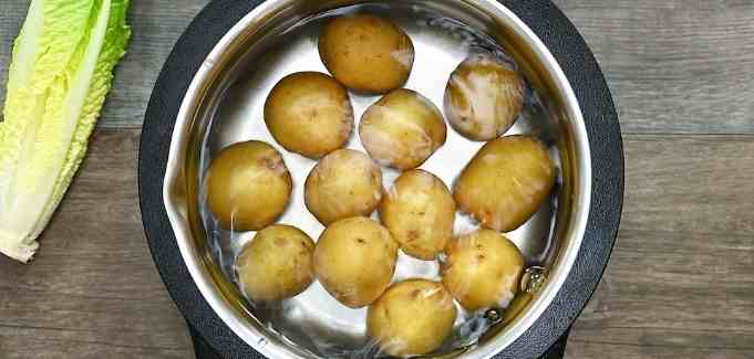 boiling the potatoes