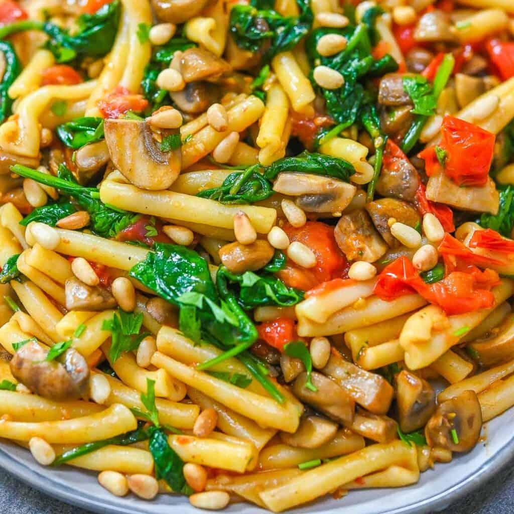 Tomato Mushroom Spinach Pasta